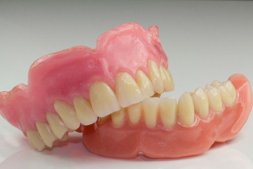 there-are-three-main-types-of-dentures-_16001644_800914292_0_0_14080137_500